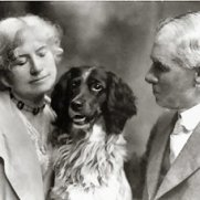 Annie, Frank et leur chien